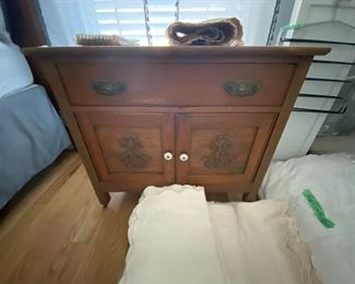 Antique nightstand twin size Matillese   bedding