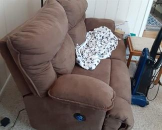 Two person electric love seat recliner $85
