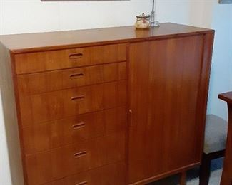 Falster tambour door Gentlemans chest  $1800