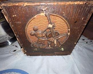 1933 MICKEY MOUSE EMERSON WOODEN TUBE RADIO - VINTAGE RARE DISNEY 1930'S