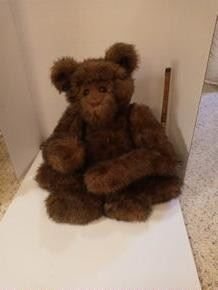 X-Large Brown Bear without markings.  He's cool!