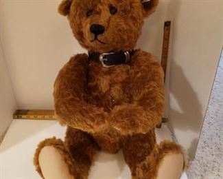 "Steiff Limited Edition of 1907 pieces.  ""One in a Million Bear"" Comes with the bag and COA"