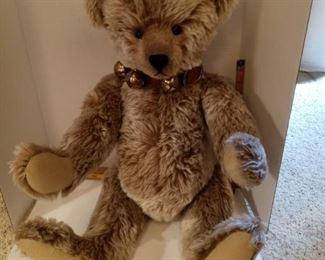 Stier Bears.  XL brown bear with bell collar #2626