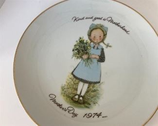 Holly Hobby Mother's day plate 1973