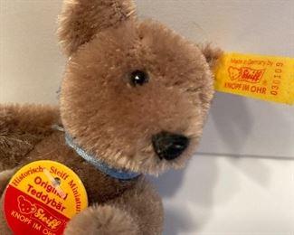 Miniture Steiff bear