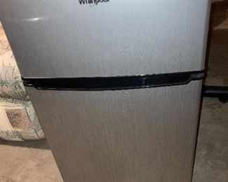 Small fridge - clean and works
