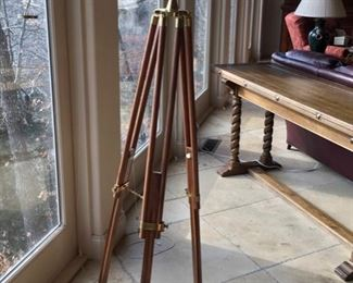 EXCELLENT POWERFUL BRASS TELESCOPE.
