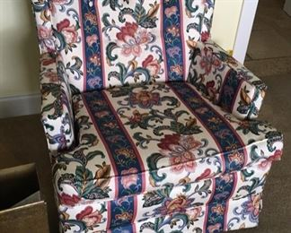 HIGH END FLORAL FABRIC CHAIR
