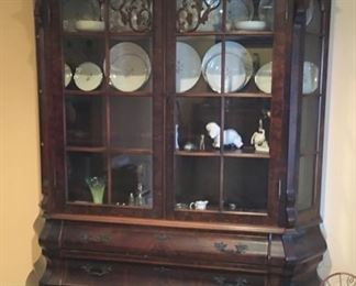 STUNNING RARE ANTIQUE WOOD ANTIQUE CHINA CABINET