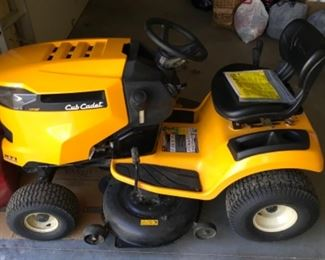 CUB CADET SUPER NICE MOWER WITH APPROXIMATELY 50 HOURS