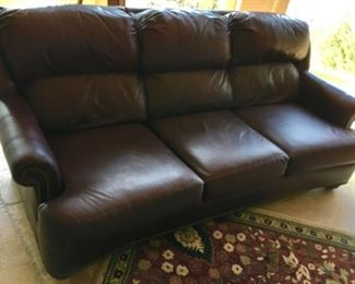 MAROON QUALITY LEATHER SOFA