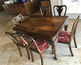 MATCHING ANTIQUE WOOD DINING TABLE AND CHAIRS
