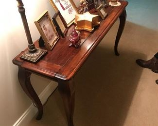 Foyer/ Sofa Table