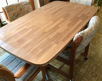 Mid Century Kitchen Dining Table w/4 Rolling Chairs