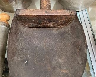 Large Primitive Feed Scoop