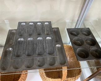 Kitchenware/Muffin Pans