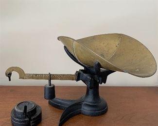 "1880's Chicago Scale Company ""Little Detective""  cast iron  fishtail mercantile scale"