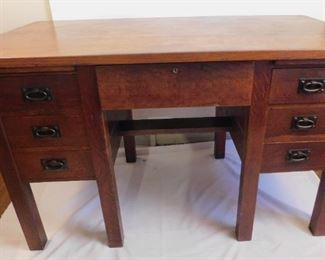 Gus Stickley desk