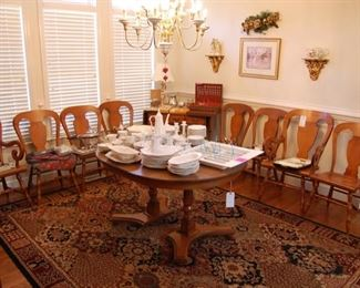 set of 8 dining room chairs, nice table