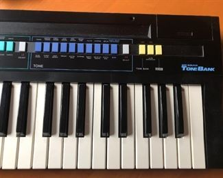 Casio Casiotone CT-380 Keyboard $145 (Photo 5/5)
