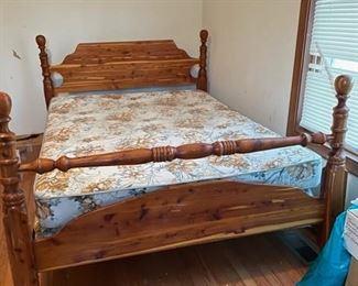 Vintage full size cedar bed (part of a 3 piece set)