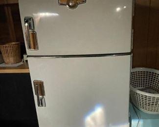 . . . I love this retro GE fridge -- still working