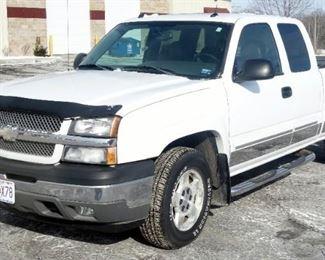 2005 Chevrolet Silverado Z71 4WD Pickup Truck, 56,323 Miles, V8, 5.3L, VIN # 1GCEK19B85E215355