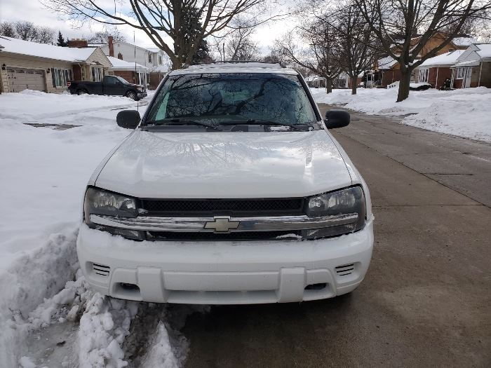 2003 Chevy Trailblazer LS  1 owner Nonsmoker 157,000 miles $2,800 obo
