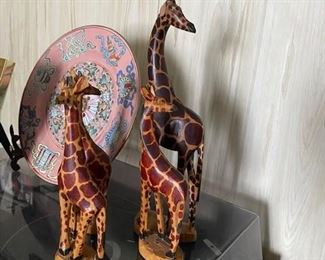 Giraffe family set.
