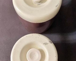 Additional photo of canister set lids.