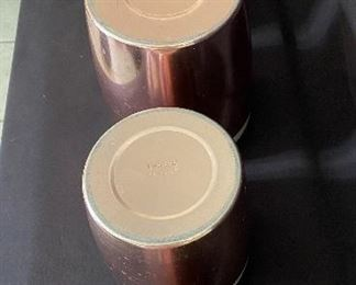 Additional photo of canister set bottoms