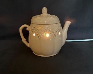 Additional photo of Scentsy Teapot with working bulb.