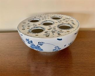 "$30 - Mottahedeh; 6.5"" diameter x 3"" H"