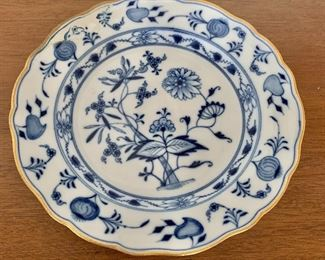 "$100 - Meissen blue onion plate with gold rim AS IS; 9"" diameter - broken and repaired"
