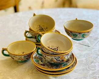 $100 - Set of Deruta coffee cups; 5 cups and 6 saucers