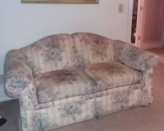 Clayton Marcus 2 Person Floral Upholstered Love Seat