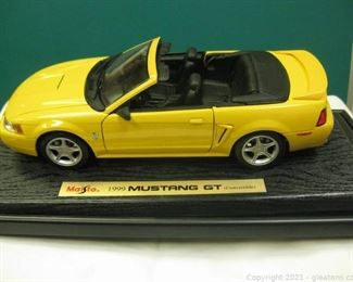 Die Cast 1 18 Scale 1999 Mustang GT Convertible