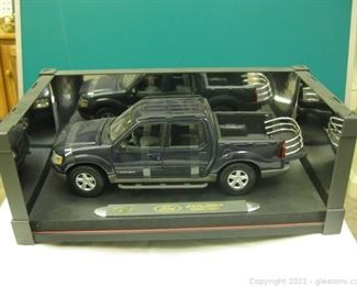 Die Cast 1 18 Scale Metal Maisto Ford Explorer Sport Trac Pick up