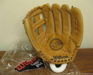 New Wilson Left Handed Softball Size Fielders Glove