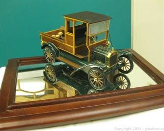 Precision Die Cast 1 16 Scale Model of a 1913 Ford Model