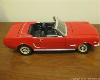 Red Die Cast 1 18 Model of 1965 Mustang Convertible