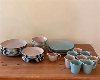 Royal Doulton China - 4 piece setting for 8 (Dinner Plate, Salad Plate, Soup Bowl, Mugs) and 1 creamery