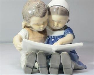 """B&G Royal Copenhagen Bing & Grondahl Figurine #1567 """"Children Reading"""""""