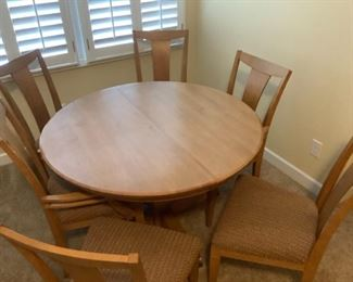 Like New Ethan Allen Dining Set