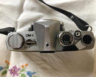 Olympus OM-1 SLR 35mm Film Camera (body only) $50 (Photo 2/2)