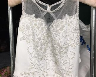 NWT size 4 wedding gown in bag