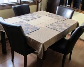 Kitchen table, chairs & leaf 54 x 42 x 30h