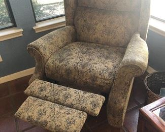 nice fabric recliner  works fine !
