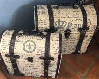 small /medium sized decor chests-