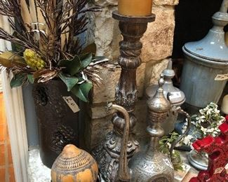 antique powder horn -turkish decor items  lots to see at this one